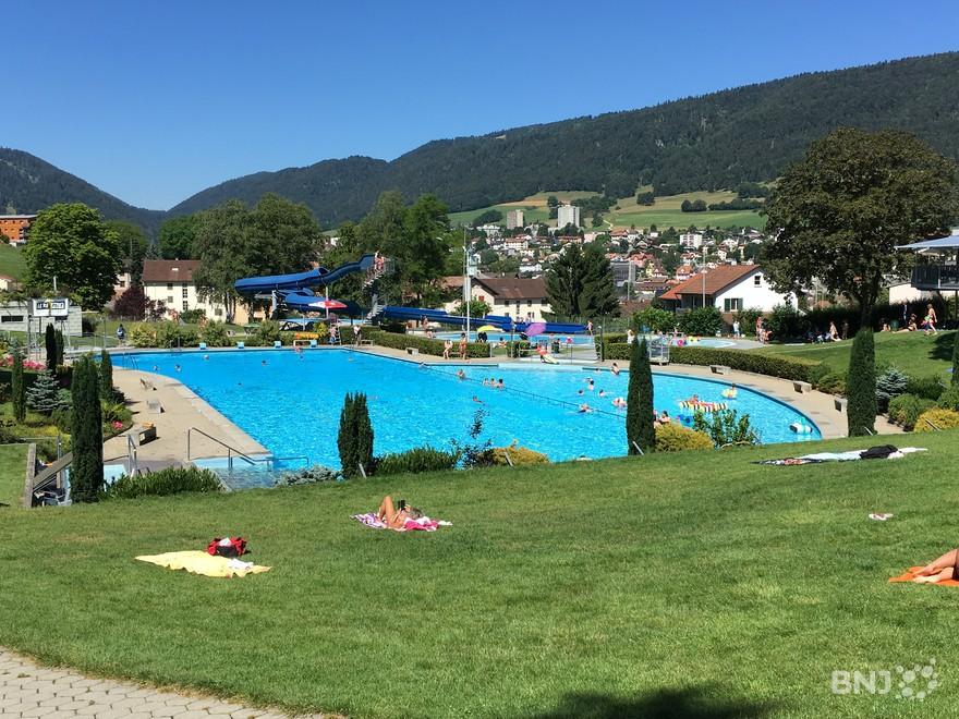 Garde bain un m tier aux mille facettes rjb votre radio for Technicien piscine suisse